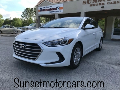 2017 Hyundai Elantra SE 2.0L Manual