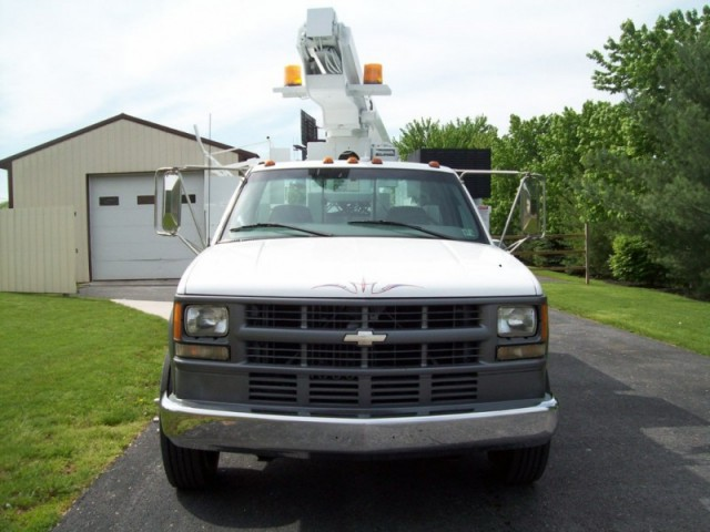 Refurbished 99 Chevrolet 3500HD Bucket Truck 62K Inspected