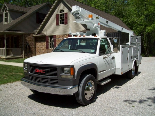 1999 GMC 3500HD Bucket Truck