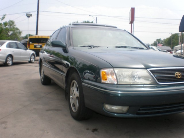 1998 Toyota Avalon 4dr Sdn XL w/Bucket Seats