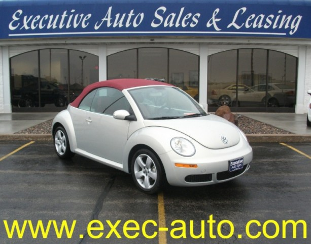 2009 Volkswagen New Beetle Convertible 2dr Auto Blush