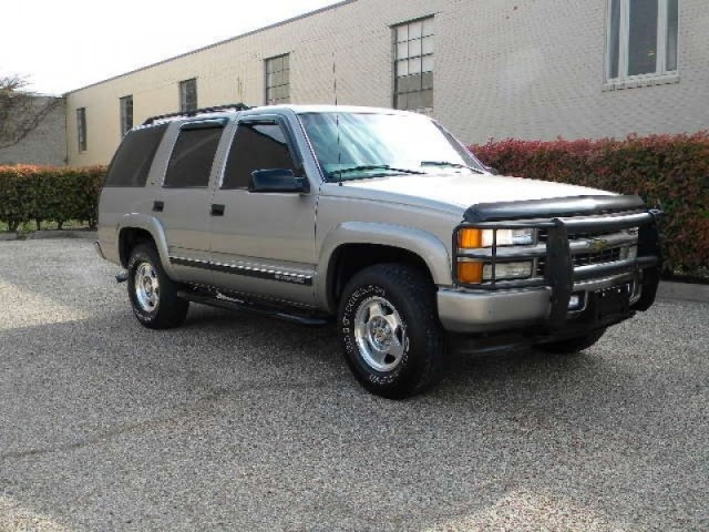 2000 Chevrolet Tahoe 4 Door 4x4 Z71 Leather Alarm DVD Loaded
