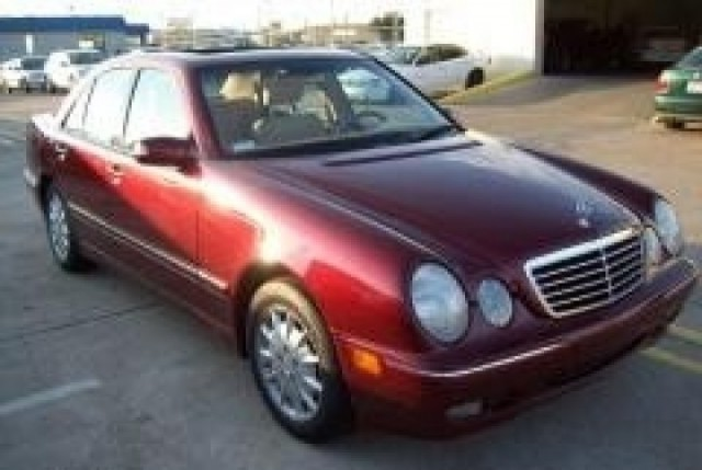 2000 Mercedes-Benz E-Class Immaculate condition Priced to sell fast call now