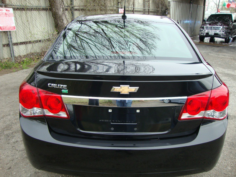 find used 2011 chevrolet cruze eco 1 4l turbo in black in. Black Bedroom Furniture Sets. Home Design Ideas