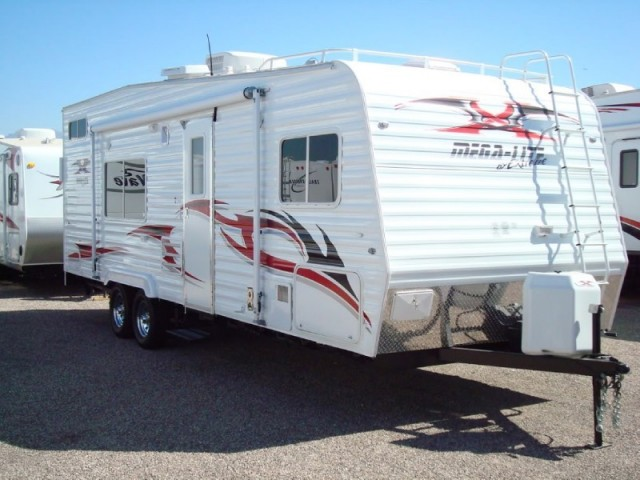 2008 Extreme Mega Lite 25 ft ST Toy Hauler trailer in excellent condition WE FINANCE