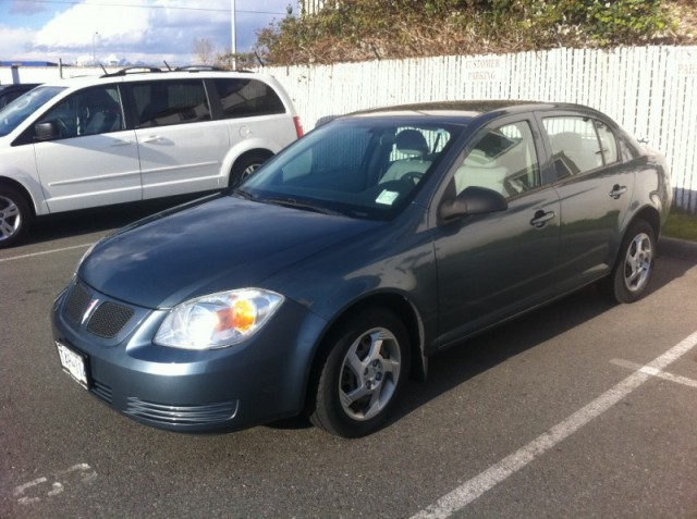 2005 Pontiac Pursuit 4 LANGLEY SURREY DOOR SEDAN LOW KMS 1 OWNER IN EXCELLENT CONDITION