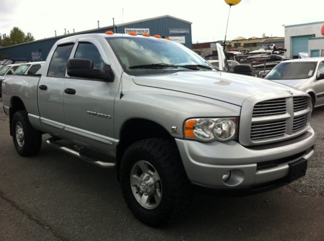 2004 Dodge Ram 3500 Quad Cab SURREY LANGLEY KELOWNA SLT 5.9 L DIESELTRUCK FOR SALE