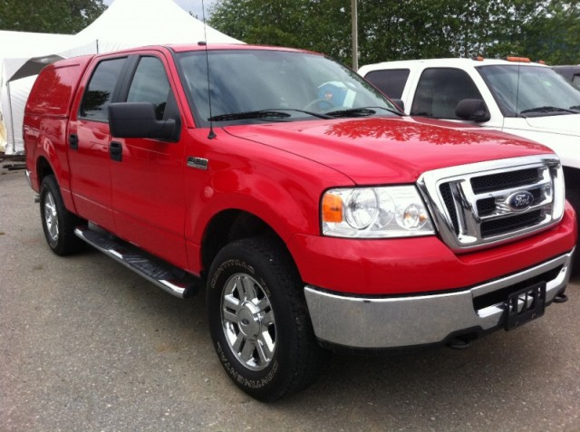 2008 Ford F-150 4x4 SURREY LANGLEY KELOWNA SuperCrew 4x4 with matching canopy