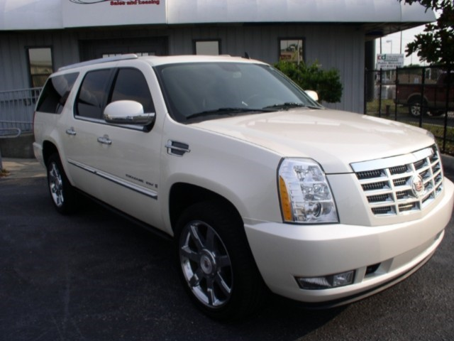 2009 CADILAC ESCALADE ESV SURREY LANGLEY KELOWNA COQUITLAM FULLY LOADED PEARL WHITE