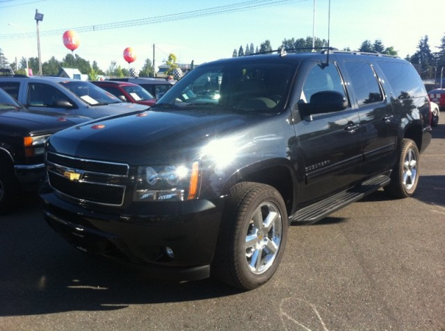 2011 Chevrolet Suburban SURREY COQUITLAM KELOWNA LANGLEY LT TOWING PKG IN NEW CONDITION