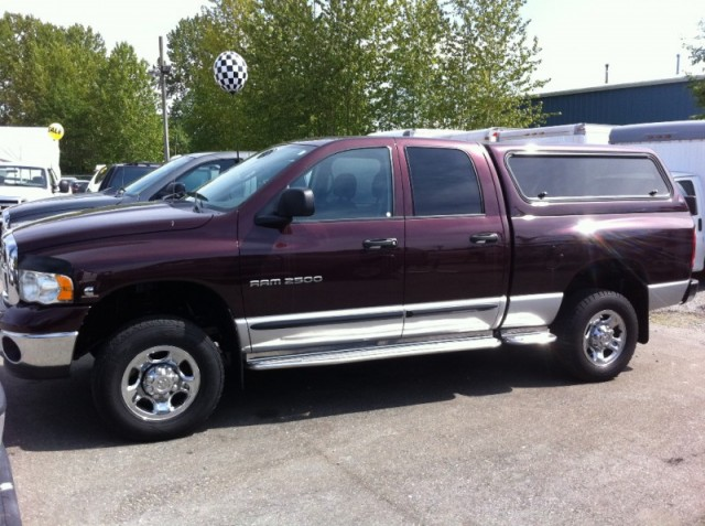 2004 Dodge Ram 2500 SLT DIESEL LANGLEY SURREY KELOWNA QUAD CAB 4X4 WITH CANOPY TRUCK FOR SALE