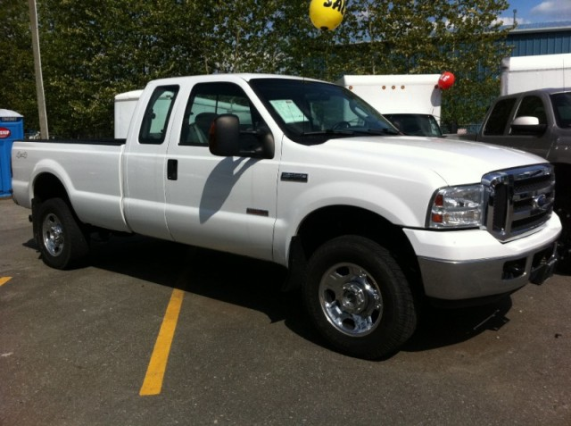 2007 FORD F350 DIESEL XLT SURREY LANGLEY EXTRA CAB 4X4 DIESEL LONG BOX TRUCK FOR SALE
