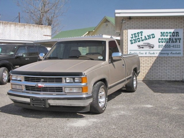 89 Chevy 1500 Regular Cab Short Bed - Clean & Solid