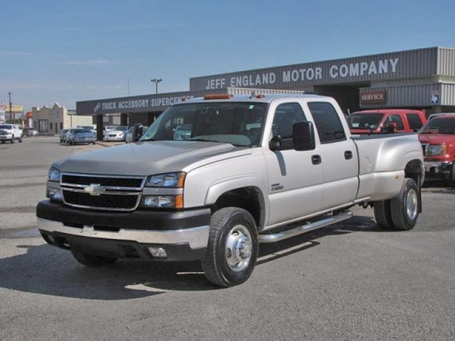 06 Chevy 3500 2WD Crew Cab - Loaded LT, 5th Wheel, 100 Gal Aux Fuel