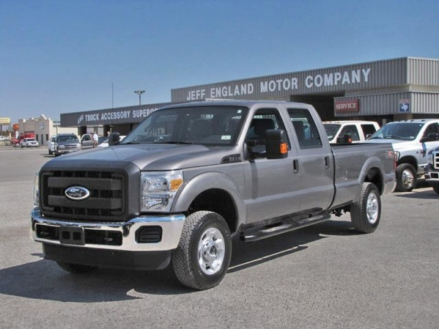 2011 Ford F250 4x4 Crew Cab, New 6.2L Gas V8, 5000 Miles