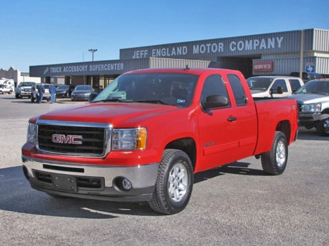 2010 GMC 1500 4x4 Extended Cab - Like New, 21k Miles