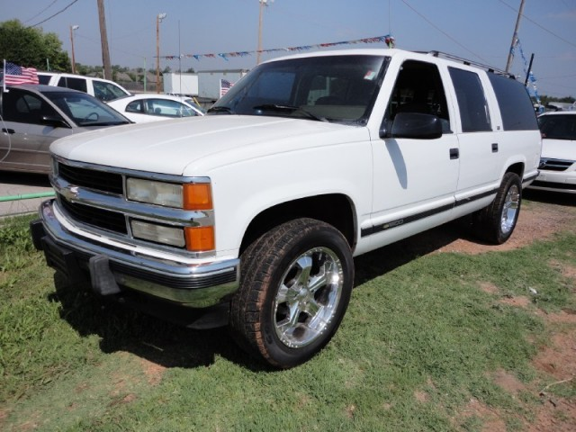 1994 Chevrolet Suburban 20inch Custom Rims ! Leather ... 4x4