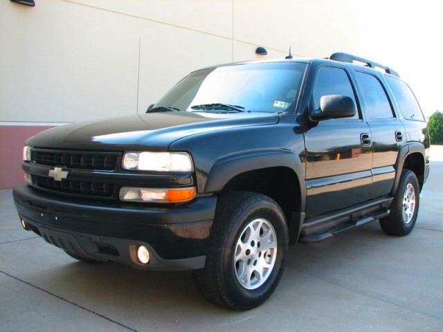 2002 CHEVY TAHOE Z71 4X4, LEATHER, BOSE, ONSTAR, REBUILT TITLE