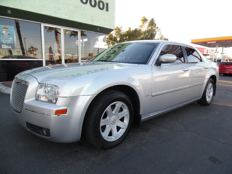 Used Cars in Las Vegas 2005 Chrysler 300