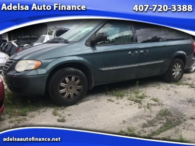 2005 Chrysler Town  Country Touring