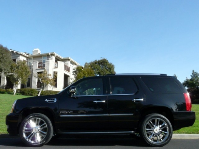 2010 Cadillac Escalade AWD Sport Utility Vehicle