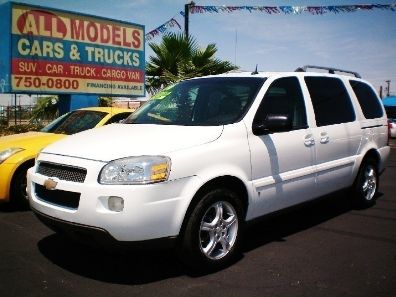 2006 Chevrolet Uplander 4dr Ext WB FWD LT w3LT This car is really one of the kind It has all the