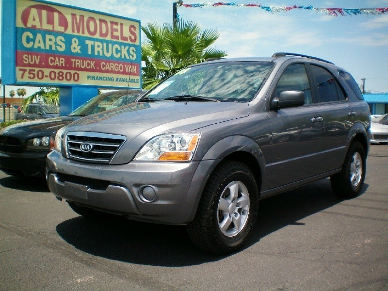 2008 Kia Sorento 2WD 4dr LX This car is really one of the kind It has all the accessories availabl